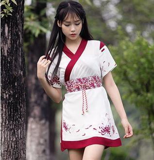 收藏宝贝 (1702人气)     分享  日式软妹 彼岸花图案两穿和风连衣裙披肩 和风外套